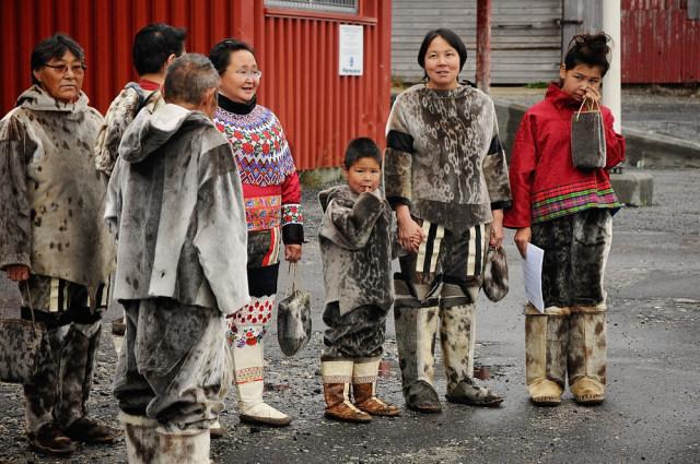 Berbagi Istri Saat Berburu, Sikap 'Terpuji' yang Dilakukan Pria Eskimo (102245)