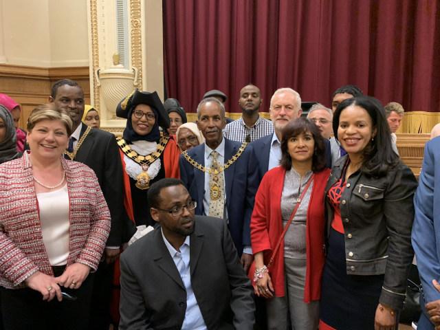 Rakhia Ismail, Walikota Berhijab yang Mundur dari Jabatan karena Perlakuan Rasis (29426)