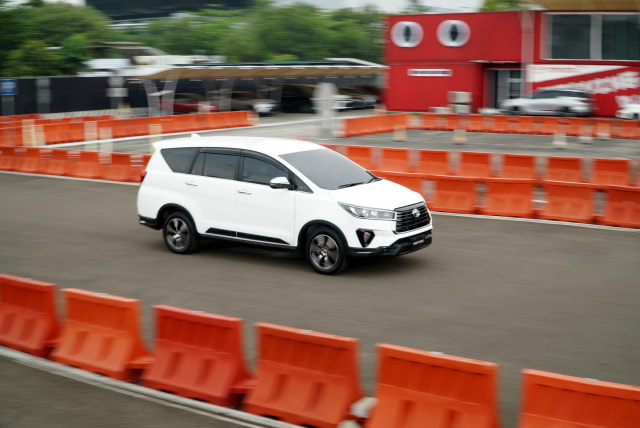 Kena Diskon PPnBM, Harga Toyota Kijang Innova Jadi Rp 320 Jutaan (10531)