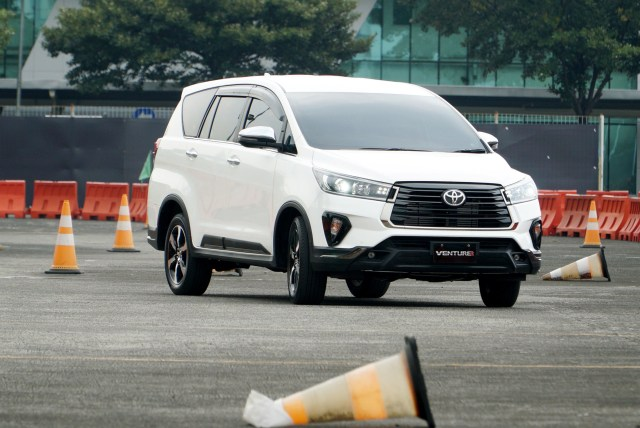 Ini Bocoran Spesifikasi Lengkap Toyota Innova yang Diproduksi Cuma 50 Unit! (496894)