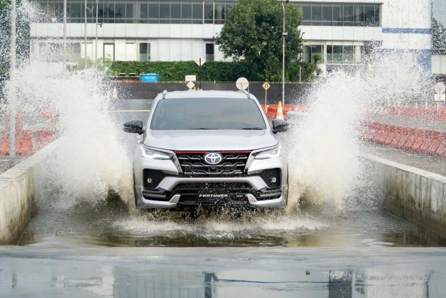 Berita Populer: Skema Cicilan Toyota Fortuner Baru, Body Kit Asal Indonesia (240170)