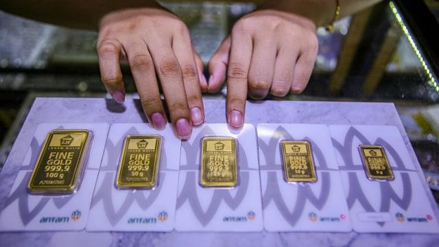 Harga Emas Antam Hari Ini Turun Rp 8.000 Per Gram (104124)