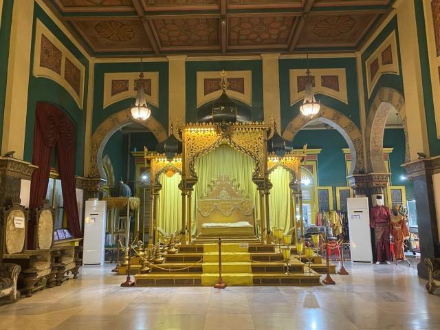 Istana Maimun, Kemegahan Peninggalan Kesultanan Deli (71807)