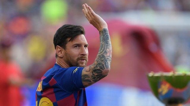 Lionel Messi: Aku Tak Akan Pernah ke Real Madrid, Kamu Buang-buang Waktu! (96346)