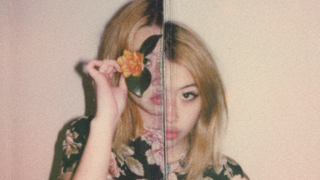 Fake It Flowers, Album Beabadoobee soal Kerapuhan yang Dibalut Grunge 90-an (246339)