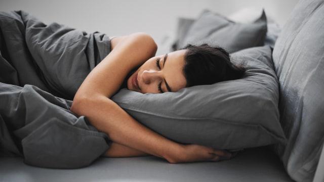 5 Manfaat Tidur Tak Pakai Bra (97485)