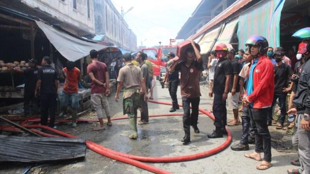 Dua Ruko di Aceh Barat Terbakar (5417)