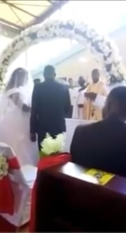 Detik-Detik Istri Bawa Anak Gagalkan Pernikahan Suami dengan Pelakor di Gereja (67453)