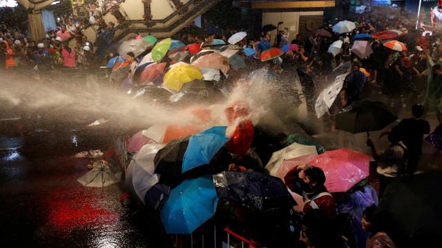 Demo di Thailand Bentrok, Polisi Tembakkan Meriam Air (1)