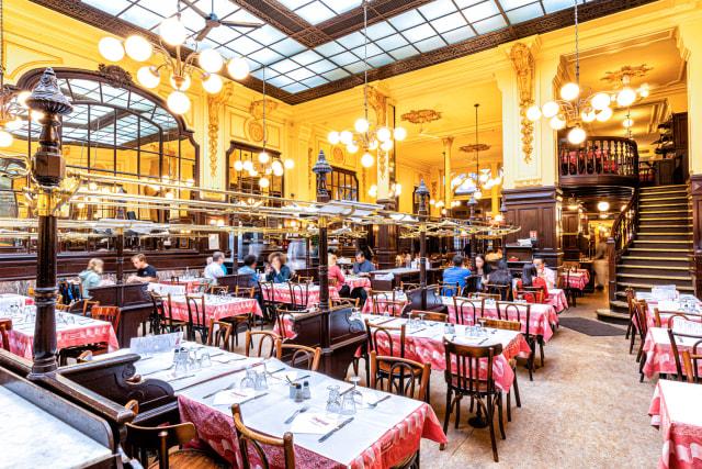 Mau Makan Escargot yang Enak dan Murah di Kota Paris? (21113)
