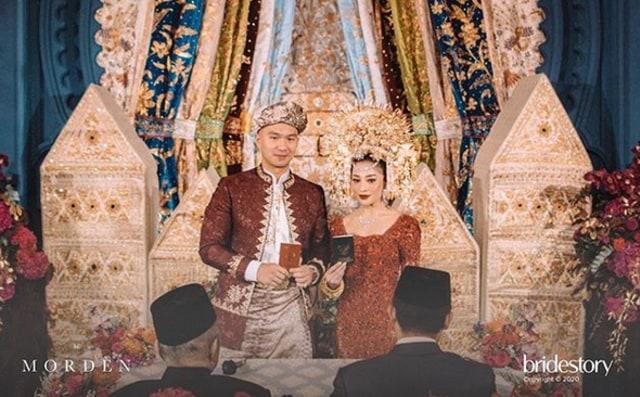 7 Potret Meriahnya Pernikahan Nikita Willy dengan Indra Priawan (48)