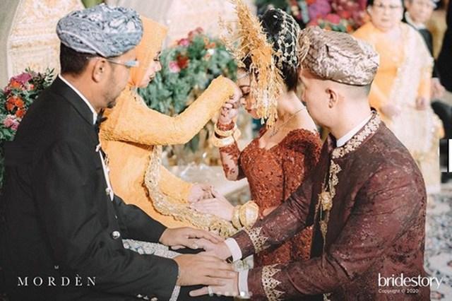7 Potret Meriahnya Pernikahan Nikita Willy dengan Indra Priawan (52)