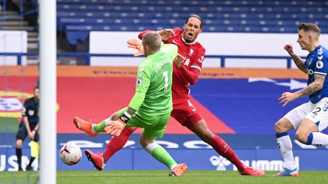 Everton vs Liverpool: Virgil van Dijk Jadi Tumbal Derbi Merseyside (30347)