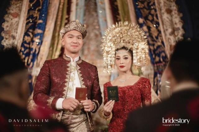 Tak Hanya Suami Nikita Willy, 4 Seleb Ini Juga Dapat Gelar Minang Usai Menikah (28065)