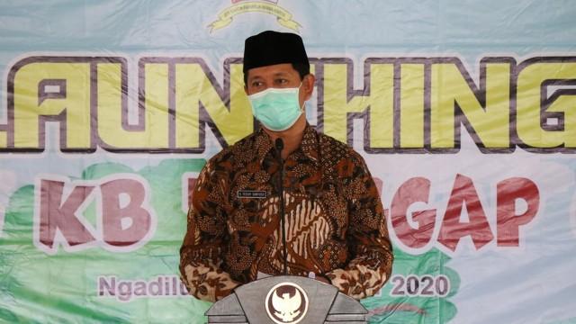 Bupati Bojonegoro Anna Muawanah, Launching Kampung KB Tanggap Covid-19 (33422)