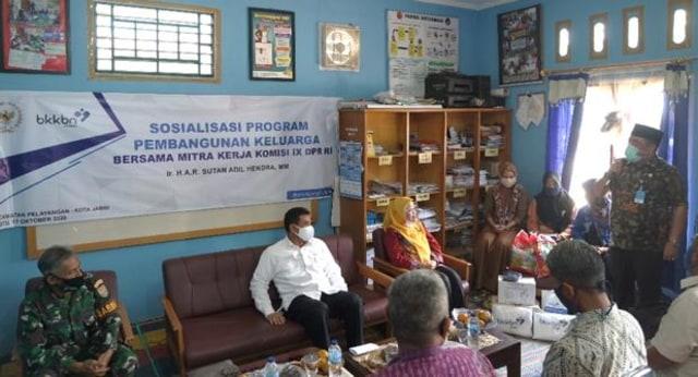 Bersama BKKBN, Sutan Adil Hendra Sosialisasikan Pentingnya KB di Jambi (10630)