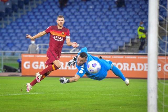 AS Roma vs Benevento: Parade Tujuh Gol Hiasi Kemenangan Serigala Ibu Kota (71653)
