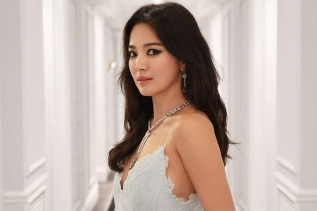 Song Hye Kyo dan Inspirasi Gaya Berhiasnya (242075)