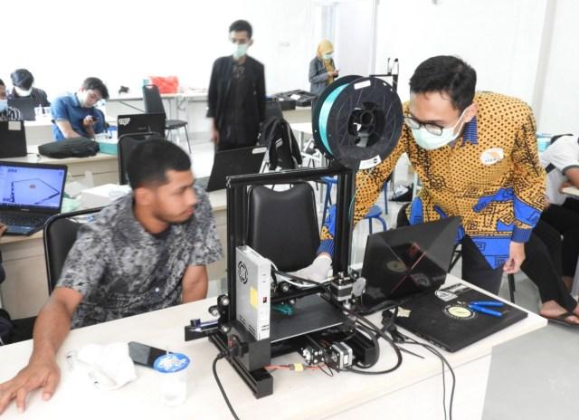 Itera Latih Sukarelawan Membuat APD Gunakan Teknologi Printer 3D (400482)