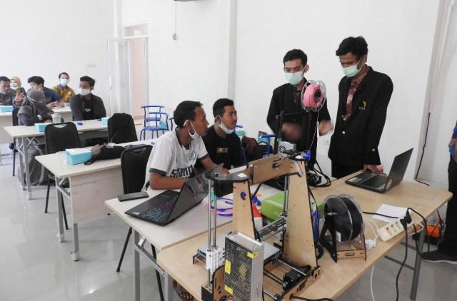 Itera Latih Sukarelawan Membuat APD Gunakan Teknologi Printer 3D (400484)