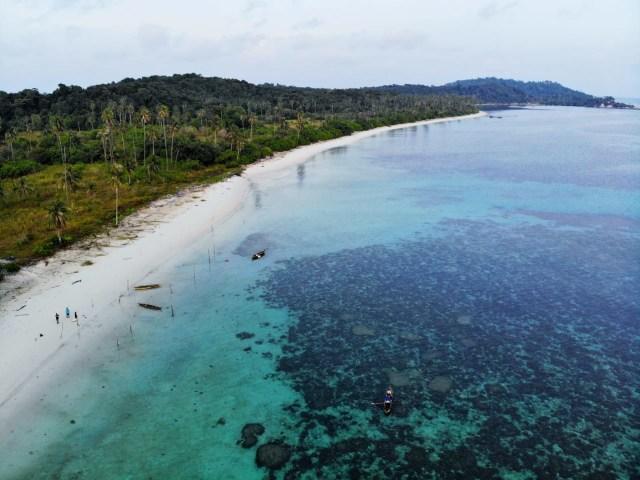 Yuk Intip Kemolekan Wisata Bahari Pulau Mapur Bintan