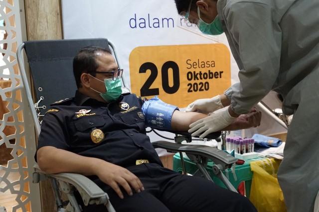 Sambut Hari Oeang ke-74, Perwakilan Kemenkeu Aceh Gelar Donor Darah (129222)