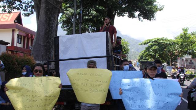 Sejumlah Pimpinan Media di Ternate Desak Polda Malut Beri Sanksi ke Oknum Polisi (266924)