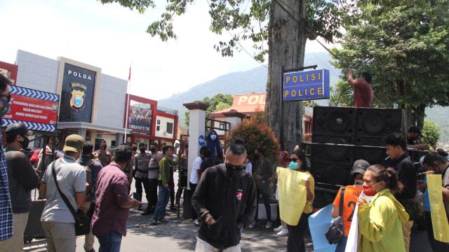 Sejumlah Pimpinan Media di Ternate Desak Polda Malut Beri Sanksi ke Oknum Polisi (266926)