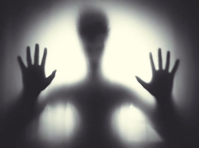 Ngeri, Ada Suara Misterius Nyuruh Diam saat Wanita Ini Nyanyi Buat Konten TikTok (32437)