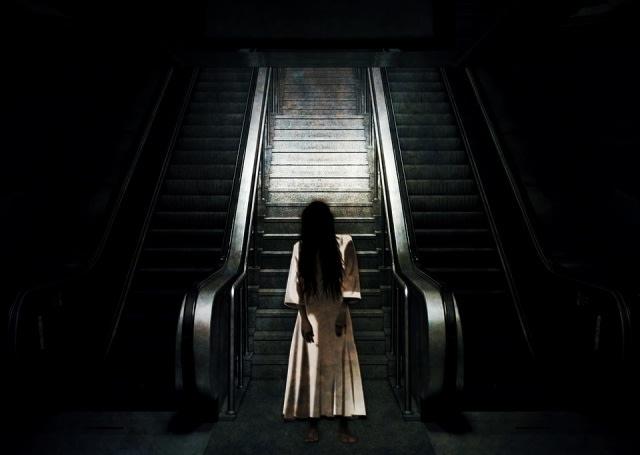 Ngeri, Ada Suara Misterius Nyuruh Diam saat Wanita Ini Nyanyi Buat Konten TikTok (73892)