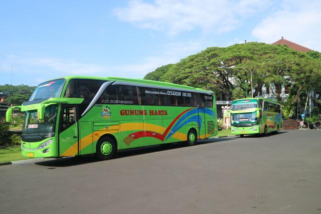 Warga Madura Kini Bisa Naik Bus PO Gunung Harta Bersasis Mercedes-Benz (39557)