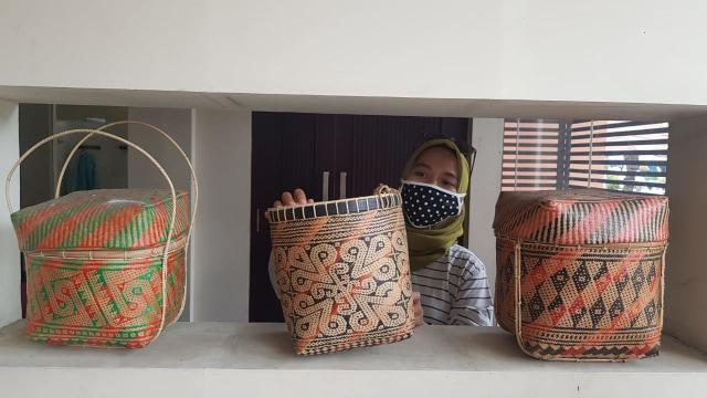 Foto: Upaya Uke Tugimin Pertahankan Tradisi Tenun di Tengah Arus Modernisasi (315188)