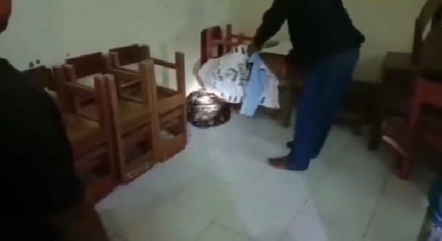 Libur Selama Pandemi, Sekolah di Kalimantan Selatan Jadi Sarang Ular Piton   (65058)