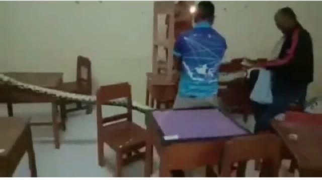 Libur Selama Pandemi, Sekolah di Kalimantan Selatan Jadi Sarang Ular Piton   (65059)