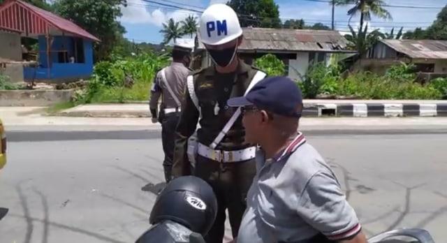 Denda Rp 45 Juta Dikumpul dari 2.626 Pelanggar Operasi Masker di Kota Sorong (33707)