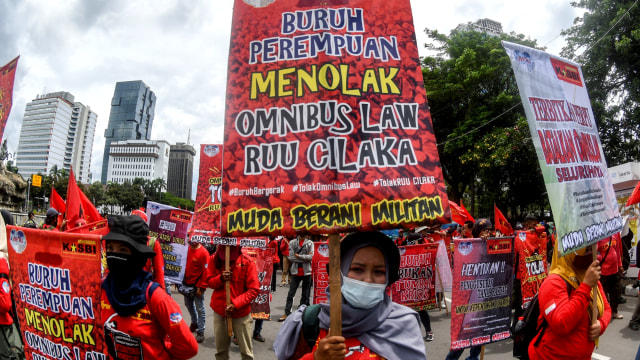 Tak Cuma Buruh dan Aktivis, Anak dan Cucu pun Kritik Luhut soal Omnibus Law (259177)