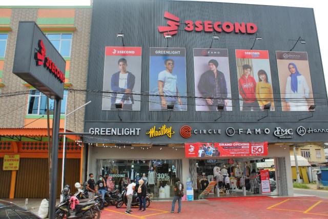 3Second Family Store Jambi Hadir dengan Konsep Terbaru (20089)