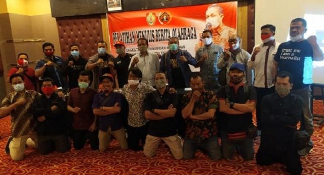 SIWO PWI Kalteng Latih Wartawan Menulis Berita Olahraga (74201)