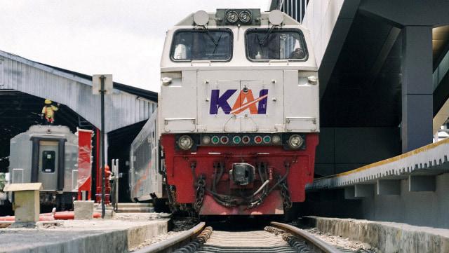 PT KAI Daop 3 Cirebon Operasikan 53 Kereta Selama Libur Panjang Maulid Nabi (12850)