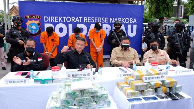Kapolda Riau: Saya Kejar Pengedar dan Bandar Narkoba hingga Lubang Manapun (115882)