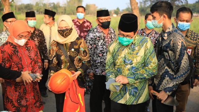 Mendes PDTT dan Menaker Memulai Program 1.000 Sanitasi dan MCK dari Tuban (476165)