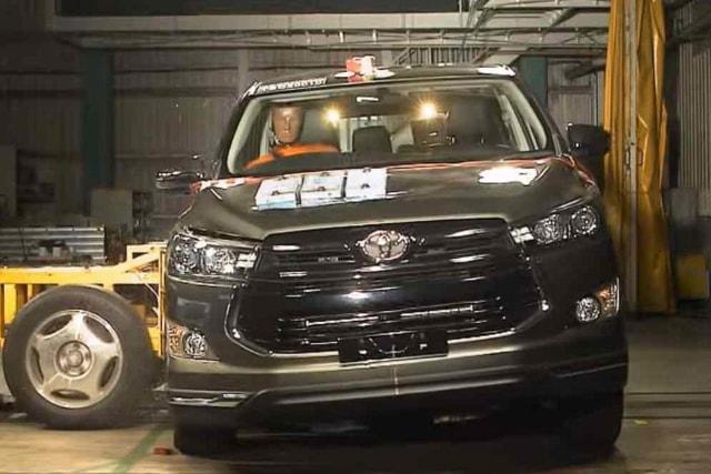 Toyota Innova Raih Bintang 5 Uji Tabrak ASEAN NCAP (220829)