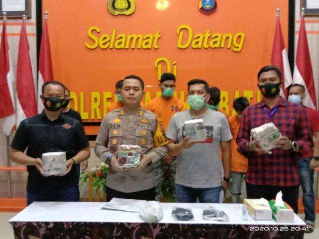 Bawa 4,2 Kg Sabu dari Aceh ke Lampung, 4 Orang Pelaku Ditangkap  (700429)