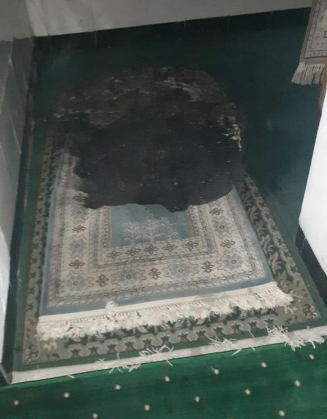 Sajadah Masjid di Kabupaten Serang Dibakar, Pelaku Tak Ditahan karena ODGJ (44683)