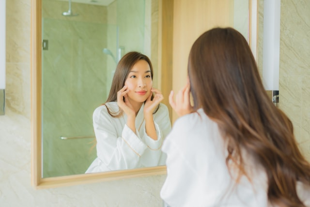 5 Fakta Niacinamide, Kandungan Skin Care Favorit Perempuan untuk Atasi Penuaan (393352)