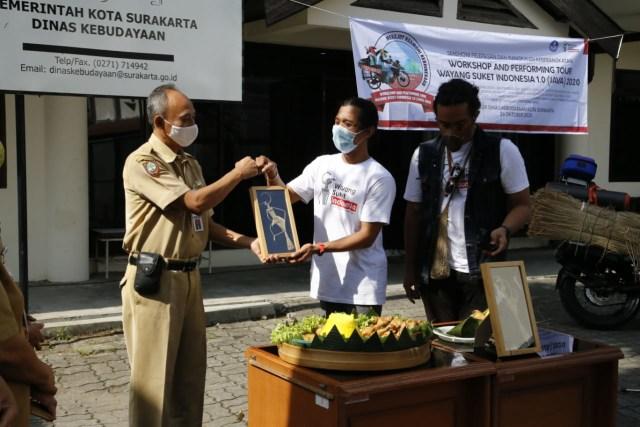 Lestarikan Wayang Suket, Pemuda Ini Touring ke-20 Kota Besar di Pulau Jawa   (66946)