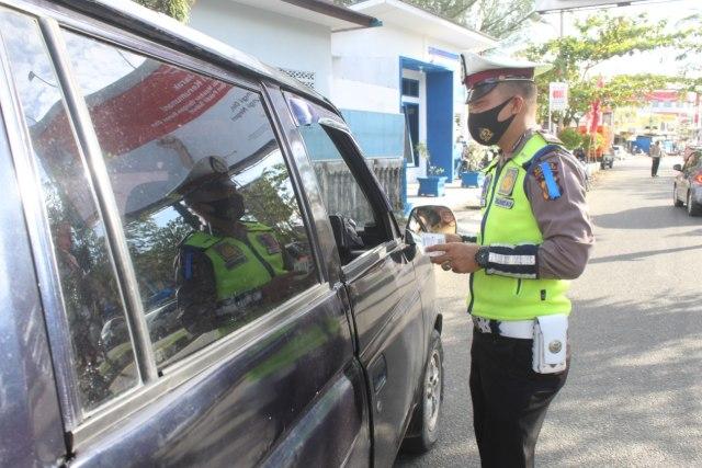 Operasi Zebra di Aceh Barat, Polisi Jaring Pengemudi Tak Pakai Masker (39390)