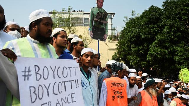 Foto: Warga Bangladesh Turun ke Jalan Serukan Boikot Produk Prancis (63219)