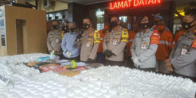 Polisi Bekuk Sindikat Narkoba dari Ribuan Pil sampai 6,5 Kg Ganja di Malang (538085)
