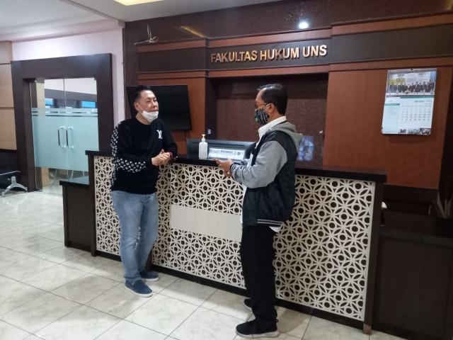 Belum Genap Seminggu Lockdown, FH UNS Kedatangan Mahasiswa S3 dari Luar Kota  (38432)